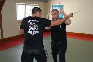 Défense contre attaque couteau